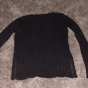 aeo cable knit sweater with zipper detail on sides